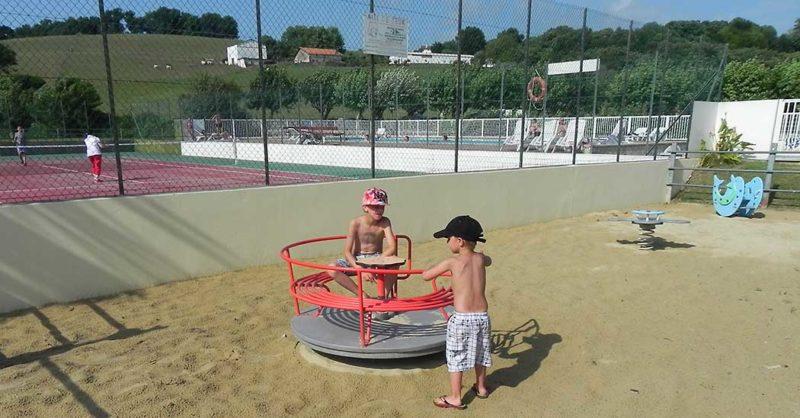 Alegera Camping à Espelette au Pays Basque, jeux pour les enfants