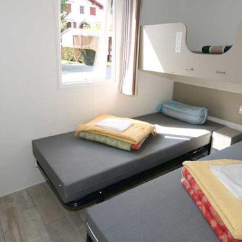 Camping Alegera au Pays basque à Souraïde Espelette propose la location de mobil-home pour vacances ou curistes de cambo les bains